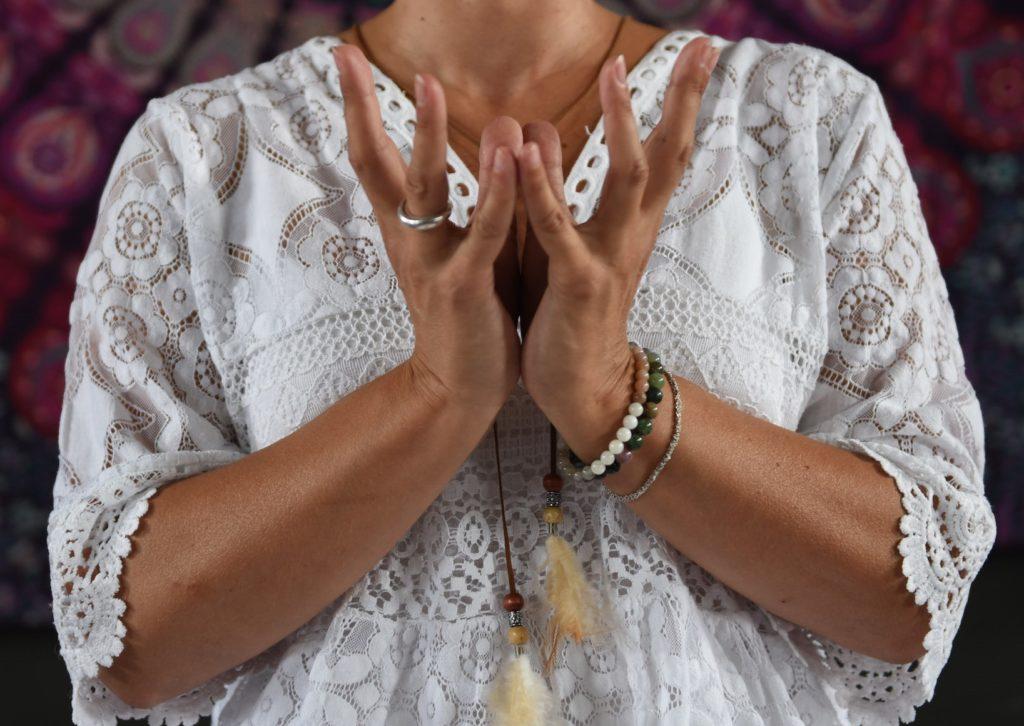 AKalyana - Kundalini Yoga - Mudra